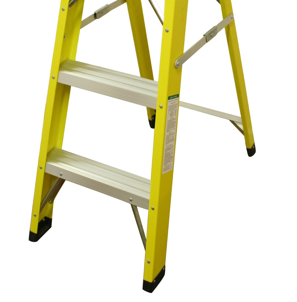 Heavy Duty Electricians Fibreglass Step Ladder 4 Tread
